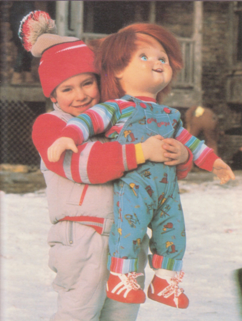 Andy-Alex-Vincent-holding-his-Good-Guy-doll-in-Childs-Play-wallpaper-wp5004522