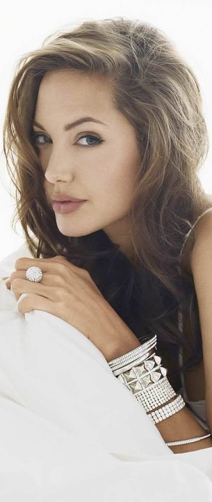 Angelina-Jolie-wallpaper-wp5602915