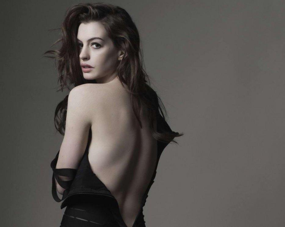 Anne-Hathaway-Hot-Fashion-Photo-Shoot-For-Gq-Gq-wallpaper-wp4404519