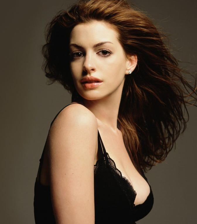 Anne-Hathaway-Hot-Pic-wallpaper-wp4404522