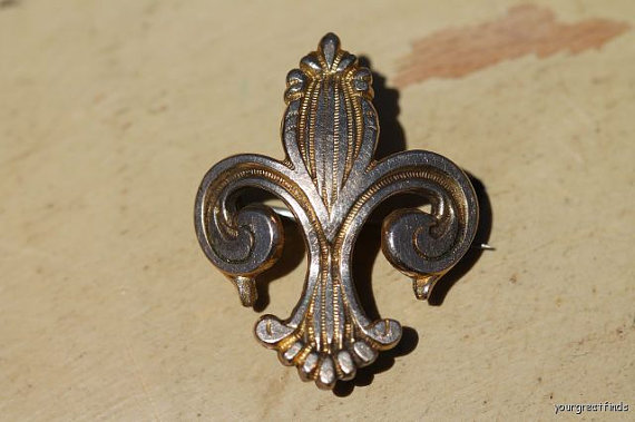 Antique-Gold-Filled-Fleur-De-Lis-Watch-or-Locket-Pin-via-Etsy-wallpaper-wp3003270