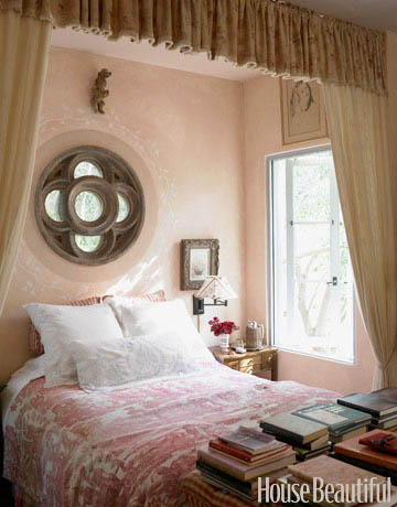 Antique-Pink-Patina-The-faded-pink-walls-and-cream-colored-curtains-in-designer-Penelope-Bianchi-s-wallpaper-wp5803569