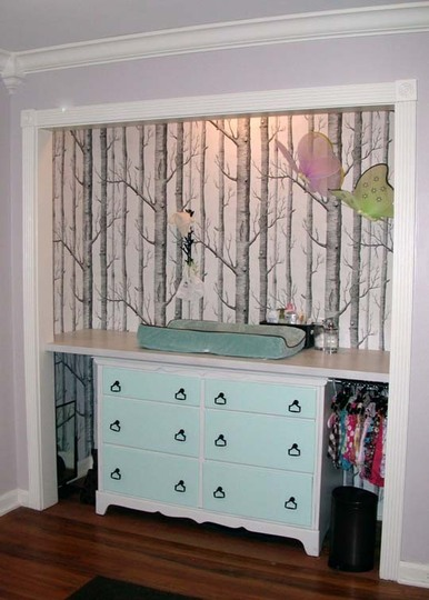 Any-nursery-closet-can-be-transformed-with-a-little-but-the-woods-makes-quite-a-statement-wallpaper-wp6002036