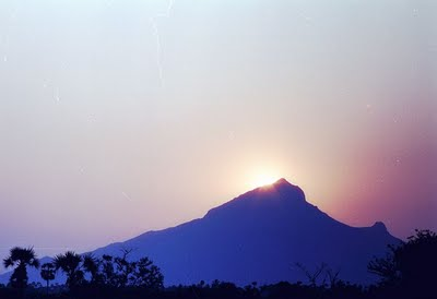Arunachala-Mountain-India-wallpaper-wp423775-1