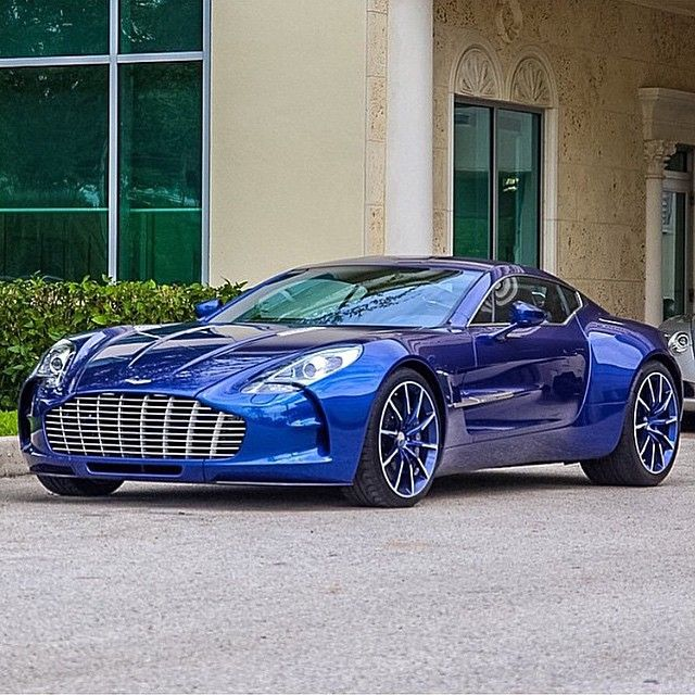 Aston-Martin-One-a-truly-remarkable-and-distinguished-car-Amazing-beautiful-and-ellegant-wallpaper-wp5803681