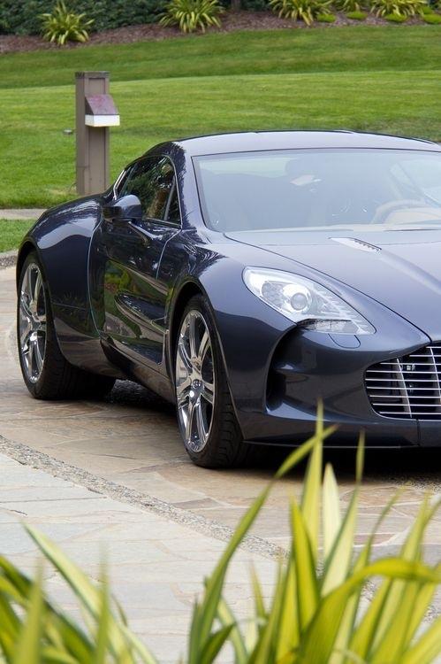 Aston-Martin-One-wallpaper-wp580641