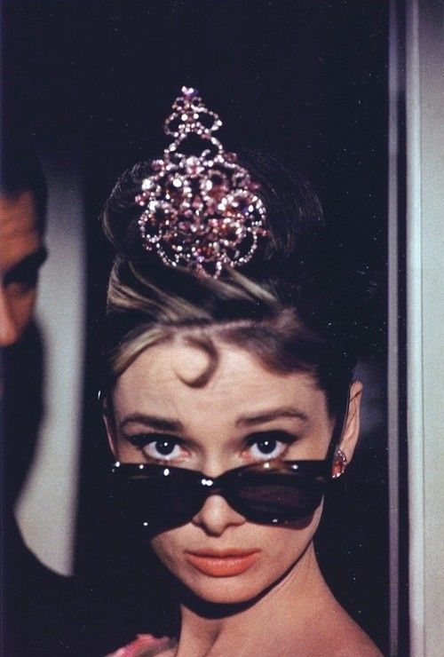 Audrey-freakin-Hepburn-the-queen-wallpaper-wp423799-1