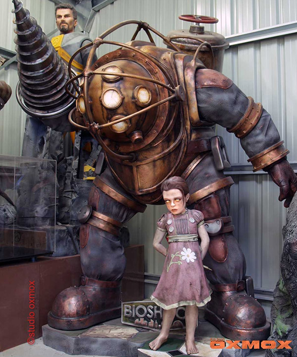 BIOSHOCK-Life-Sized-Big-Daddy-and-Little-Sister-Sculpture-Now-for-Sale-Ahhhh-I-want-this-in-my-wallpaper-wp6002347
