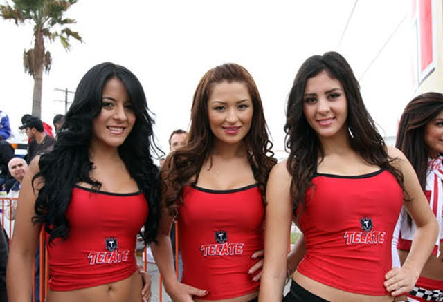 Baja-Tecate-Girls-Grid-Girls-wallpaper-wp4002479