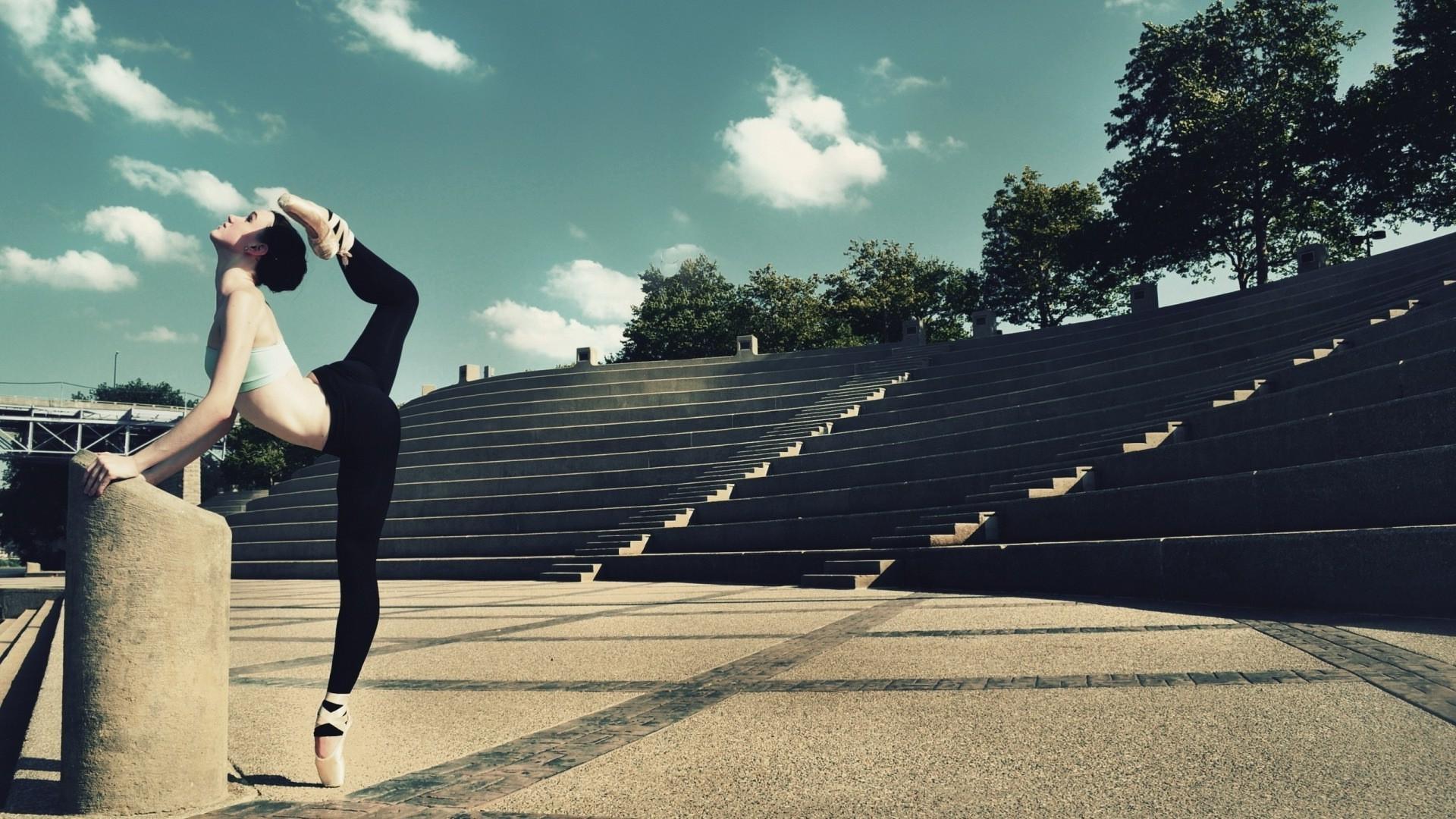 Ballet-dancer-wallpaper-wp3602943