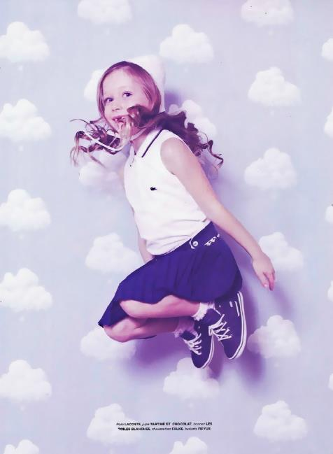 Bartschs-Cotton-Clouds-in-French-magazine-Little-Shoes-Up-wallpaper-wp5005030