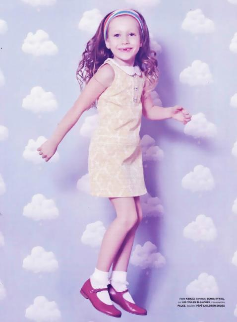 Bartschs-Cotton-Clouds-in-French-magazine-Little-Shoes-Up-wallpaper-wp500832