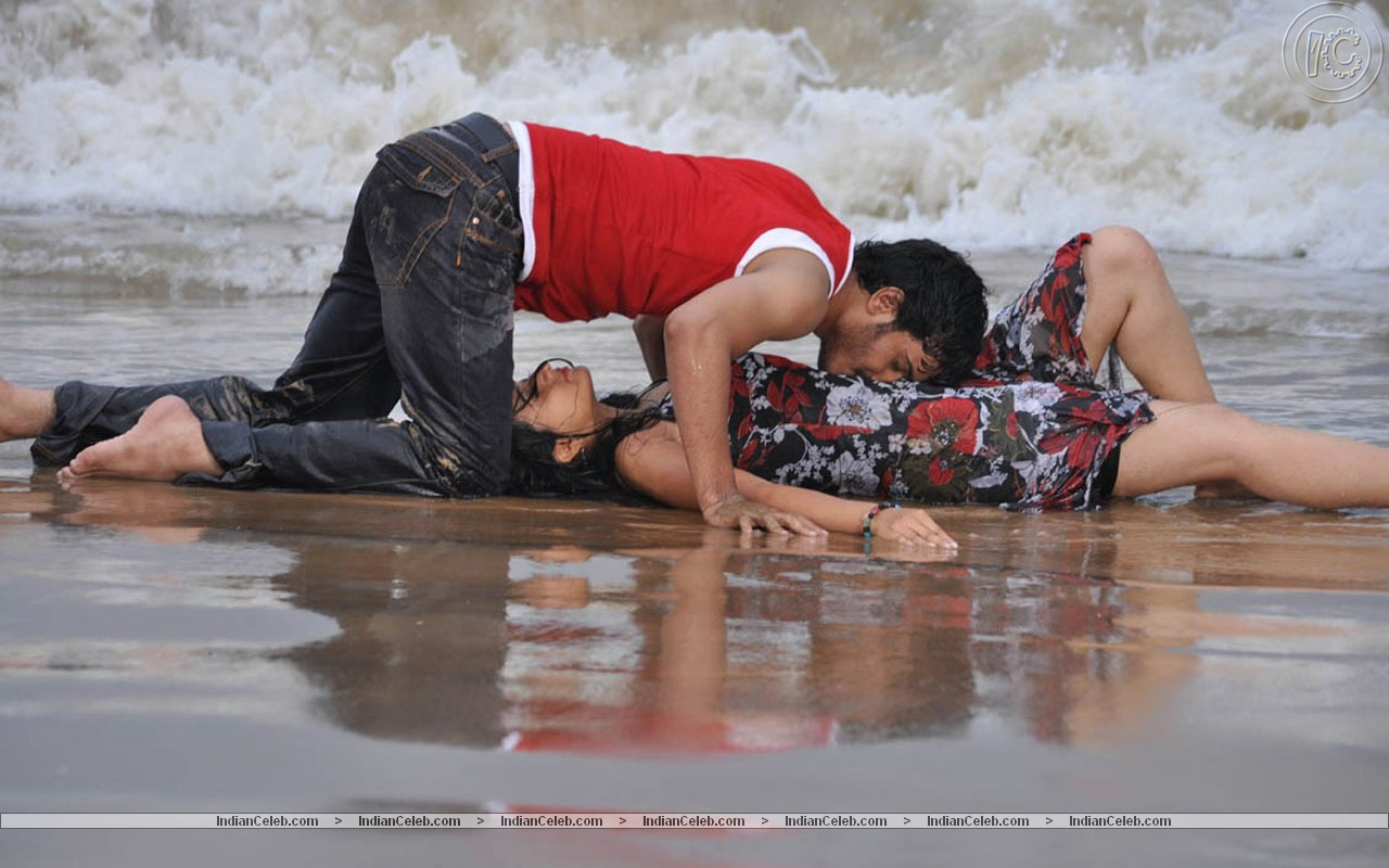 Beach-Lovers-India-wallpaper-wp5403591