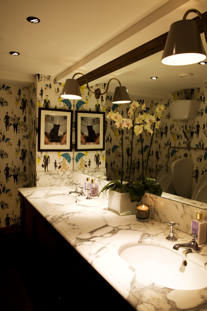 Beauchamp-Club-gents-WC-with-Lizzie-Allen-and-mirror-with-lamps-through-A-project-from-wallpaper-wp5403599