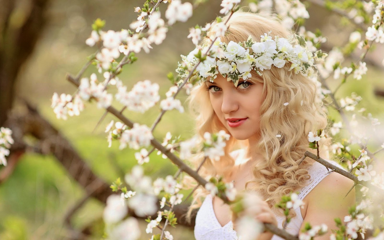 Beautiful-Girl-In-Flowers-HD-HD-Storm-Free-http-ift-tt-hYjgP-wallpaper-wp4404954