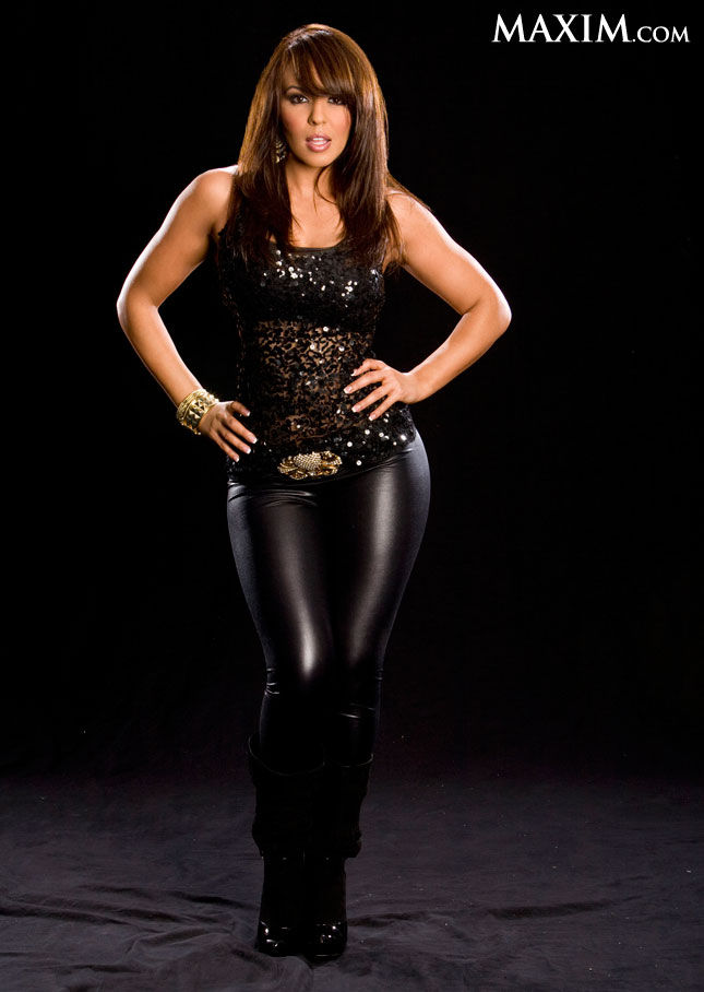 Beautiful-Women-of-Wrestling-WWE-Diva-Layla-El-Retires-wallpaper-wp5803909
