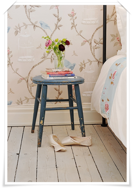 Birdcage-Walk-by-Nina-Campbell-www-osborneandlittle-com-wallpaper-wp3003713