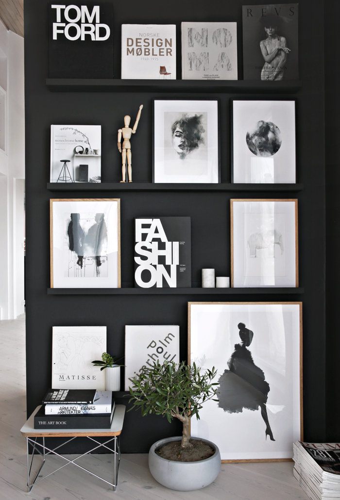 Black-gallery-wall-styled-to-perfection-by-Stylizimo-Check-out-our-simple-tips-to-achieve-a-Scan-wallpaper-wp424138-1