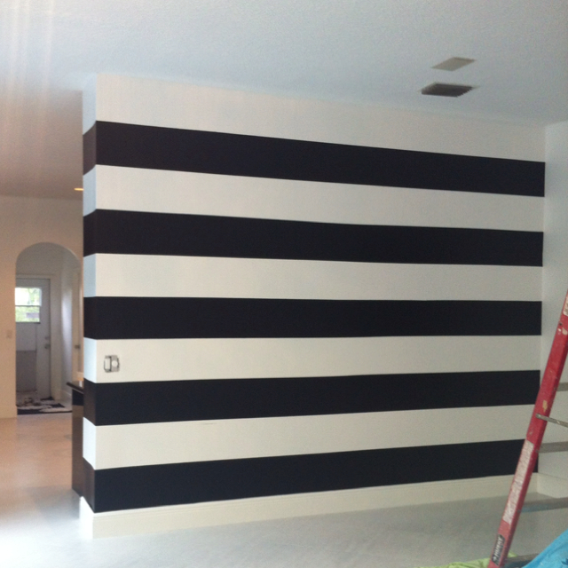 Black-white-striped-dining-room-walls-in-progress-wallpaper-wp6002379