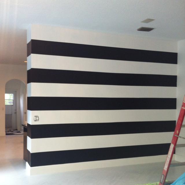 Black-white-striped-dining-room-walls-in-progress-wallpaper-wp6002379