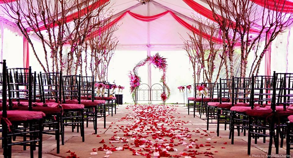 Black-with-Pink-vintage-decor-at-a-wedding-ceremony-wallpaper-wp3403350