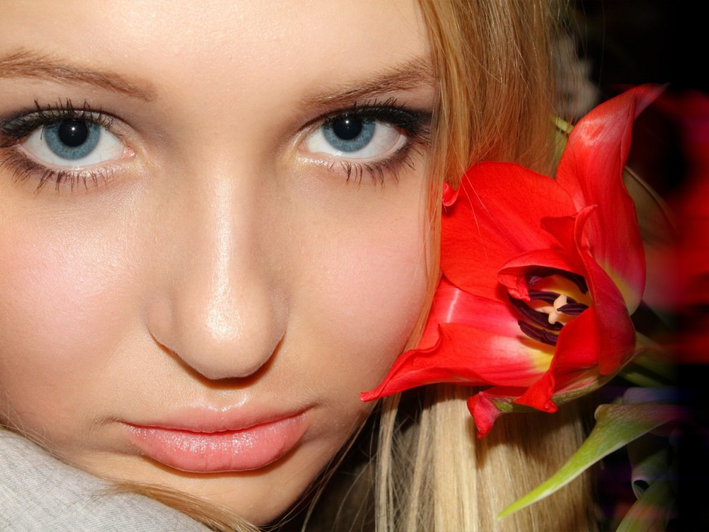 Blondes-women-closeup-flowers-blue-eyes-portrait-faces-1920x1080-wallpaper-wp3403374