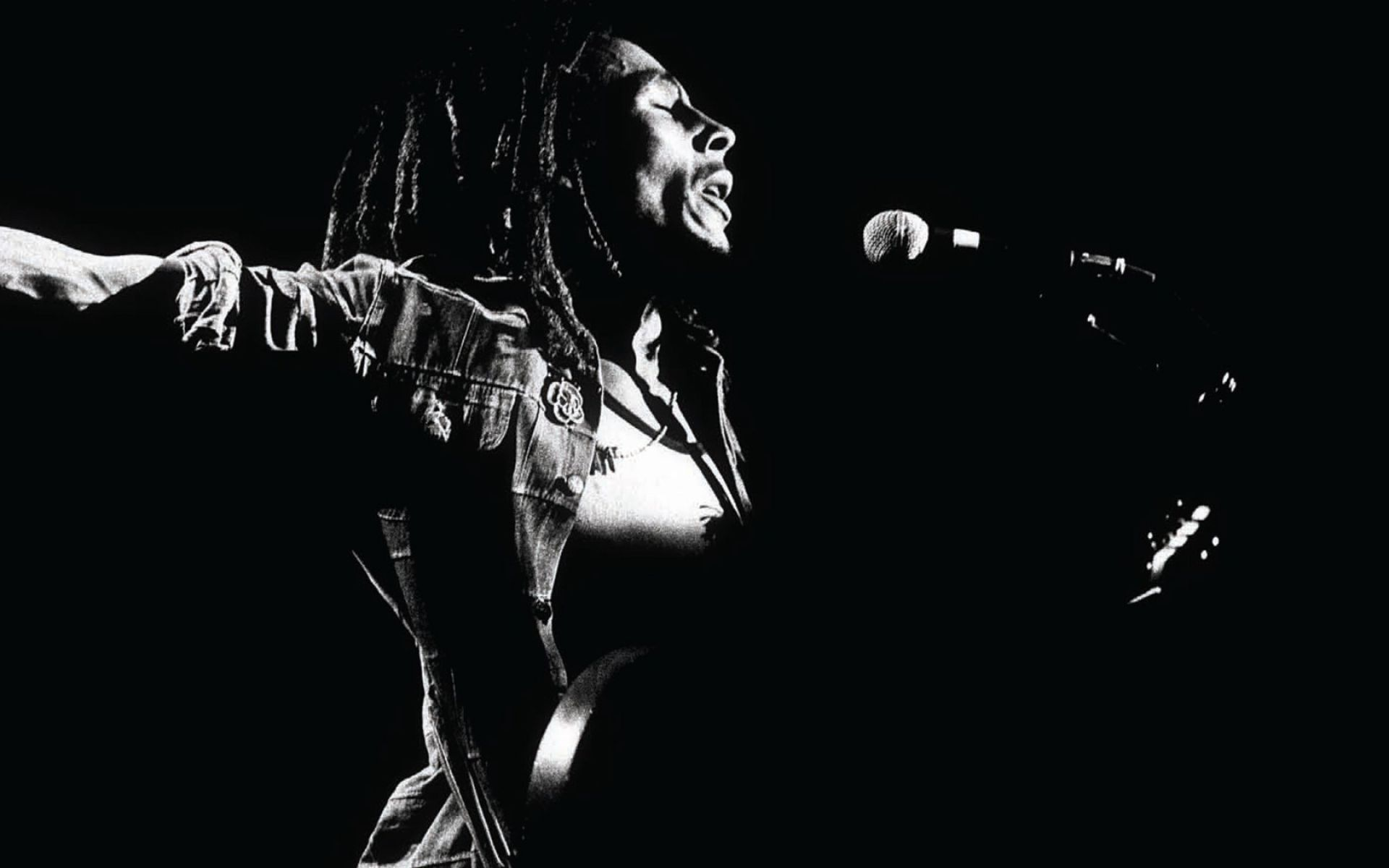Bob-Marley-Live-Performs-Photo-Black-and-White-HD-xpx-Desktop-Free-wallpaper-wp4405249