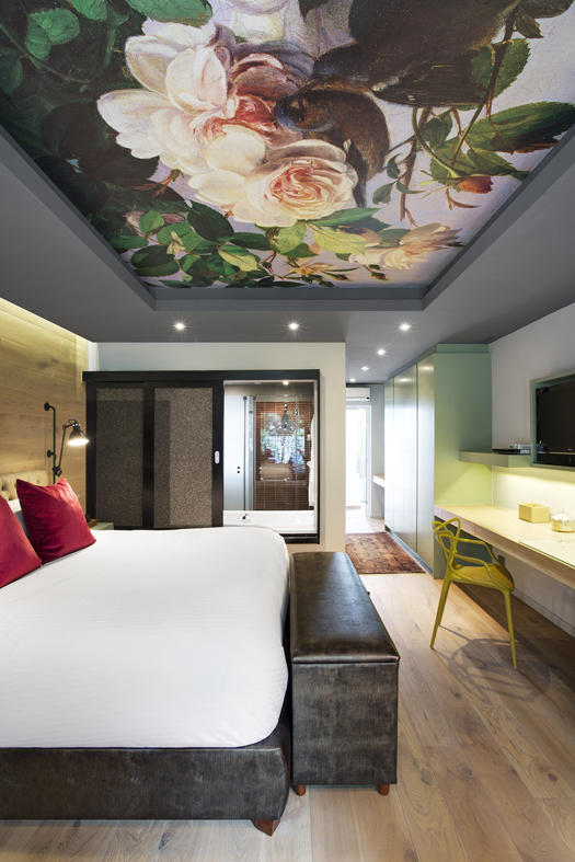 Boutique Hotel Bedrooms: Boutique-Hotel-Ceiling-wallpaper-wp5204796