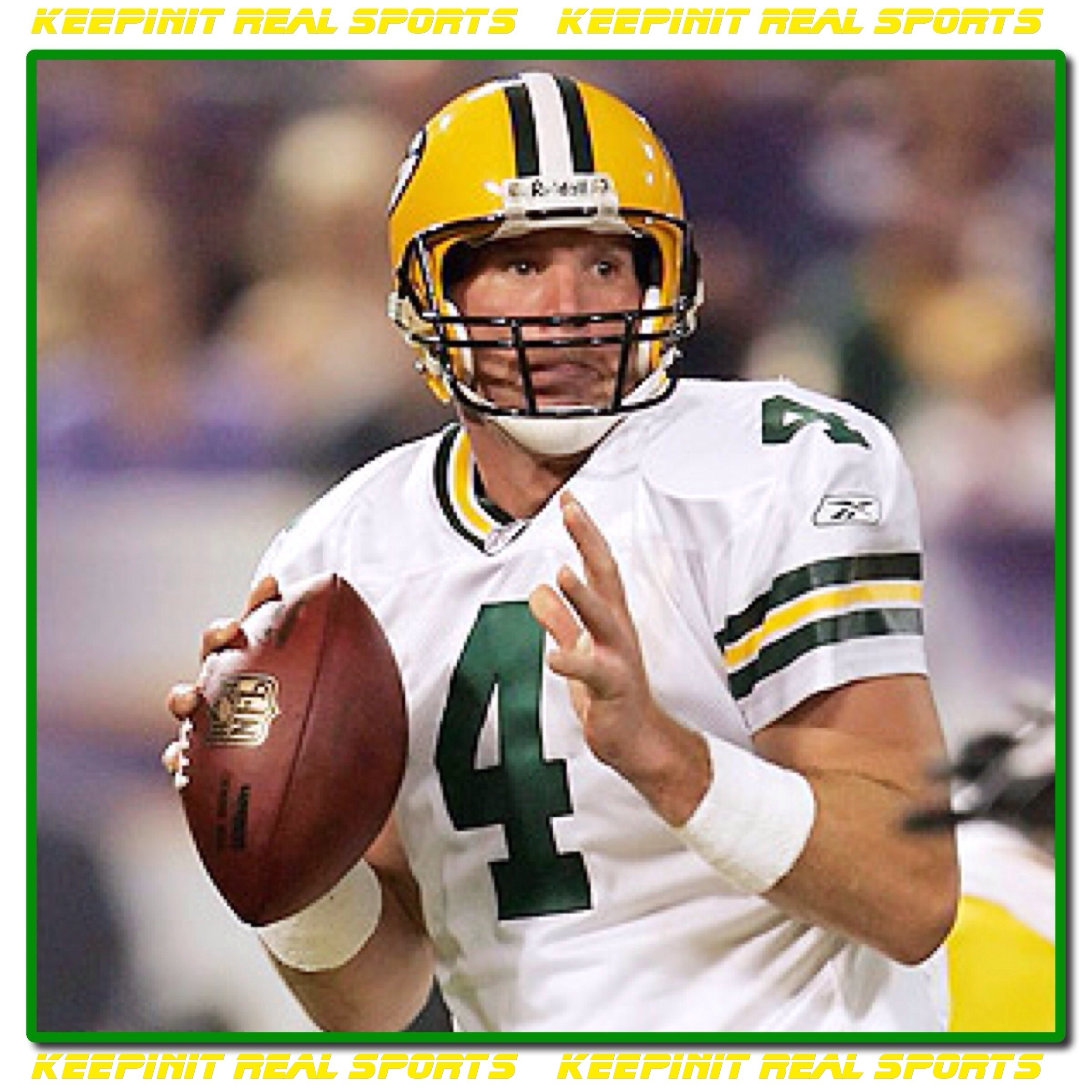 Brett-Lorenzo-Favre-led-the-Packers-to-a-Super-Bowl-victory-during-his-reign-with-the-Packers-wallpaper-wp4003676