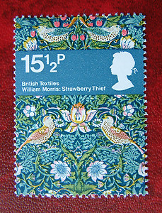 British-Textiles-William-Morris-Stawberry-Thief-p-Postage-Stamp-wallpaper-wp5804214