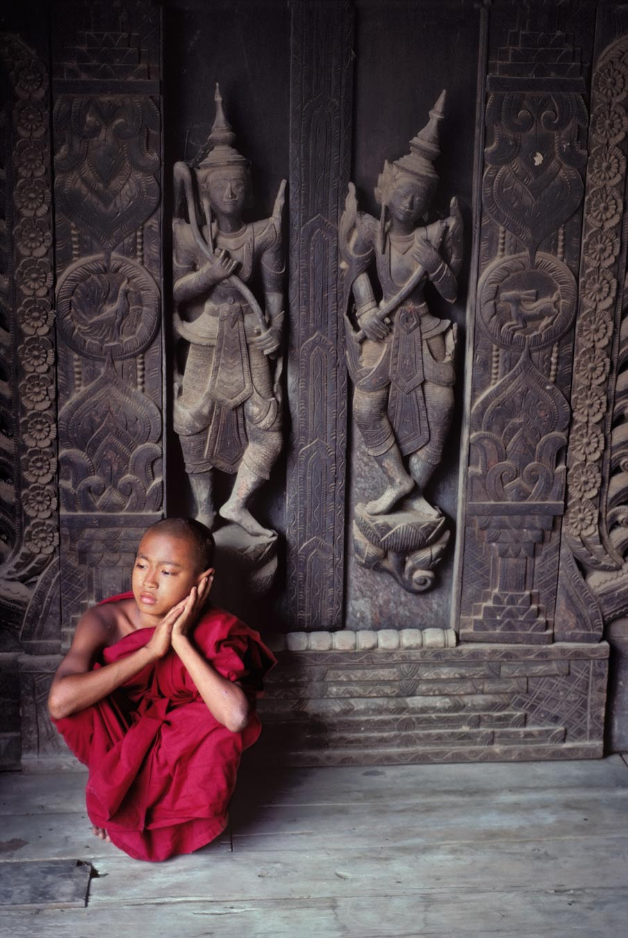 Burma-Steve-McCurry-wallpaper-wp3004016