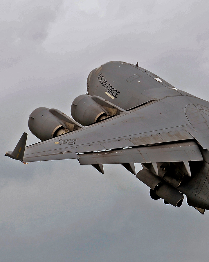 C-Globemaster-by-Glen-Wattman-wallpaper-wp5804354