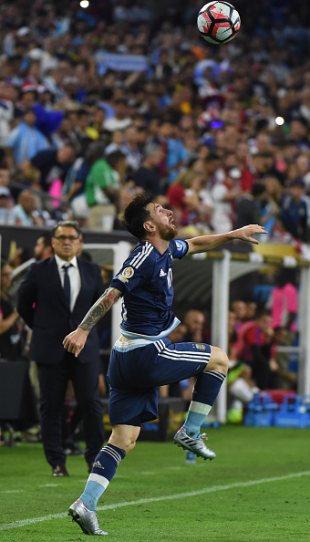 COPA-Argentina-s-Lionel-Messi-eyes-the-ball-during-the-Copa-America-Centenario-semifinal-footba-wallpaper-wp5402473