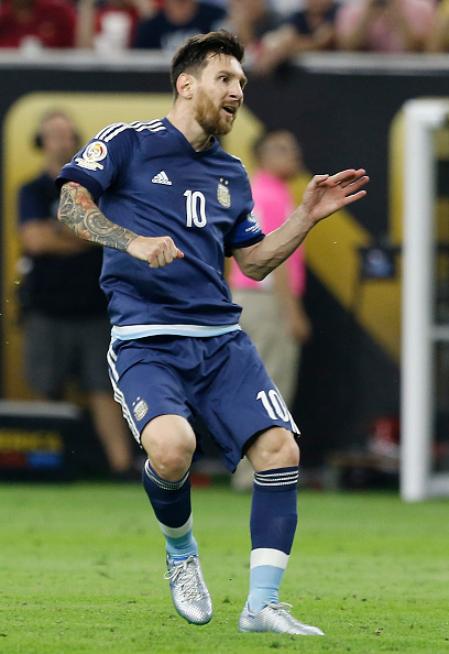 COPA-Lionel-Messi-of-Argentina-takes-a-free-kick-to-score-the-second-goal-of-his-team-during-th-wallpaper-wp5402474