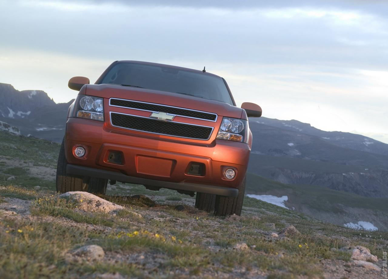 Chevrolet-Avalanche-LTZ-wallpaper-wp4602680-1