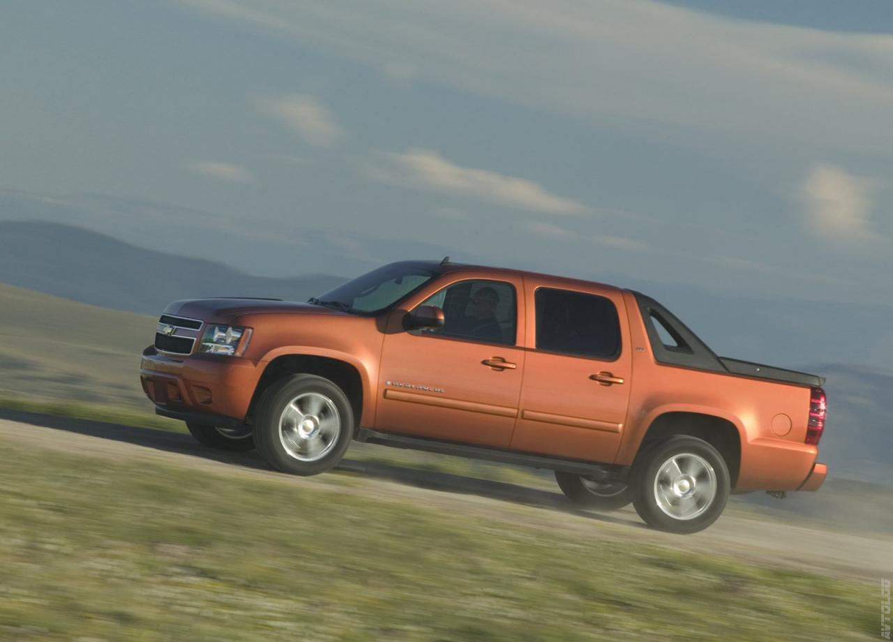 Chevrolet-Avalanche-LTZ-wallpaper-wp460693-1