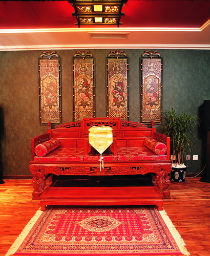 Chinese-traditional-home-design-with-red-furniture-wallpaper-wp4604707-2
