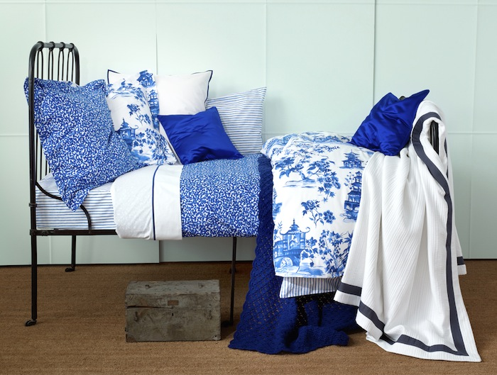 Chinoiserie-bedding-in-the-perfect-color-of-blue-from-Zara-Home-wallpaper-wp4604709-2