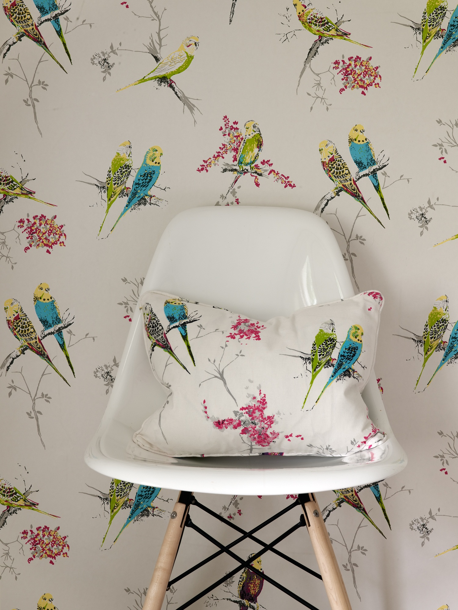 Chirpy-by-Blendworth-wallpaper-wp560115