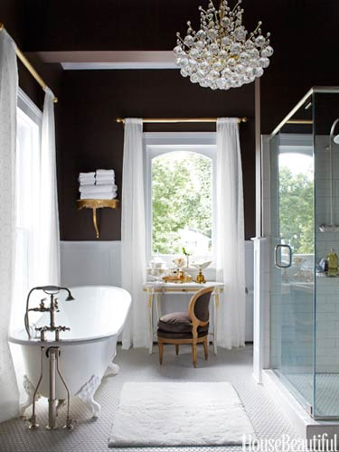 Chocolate-white-and-gold-bathroom-wallpaper-wp4604729