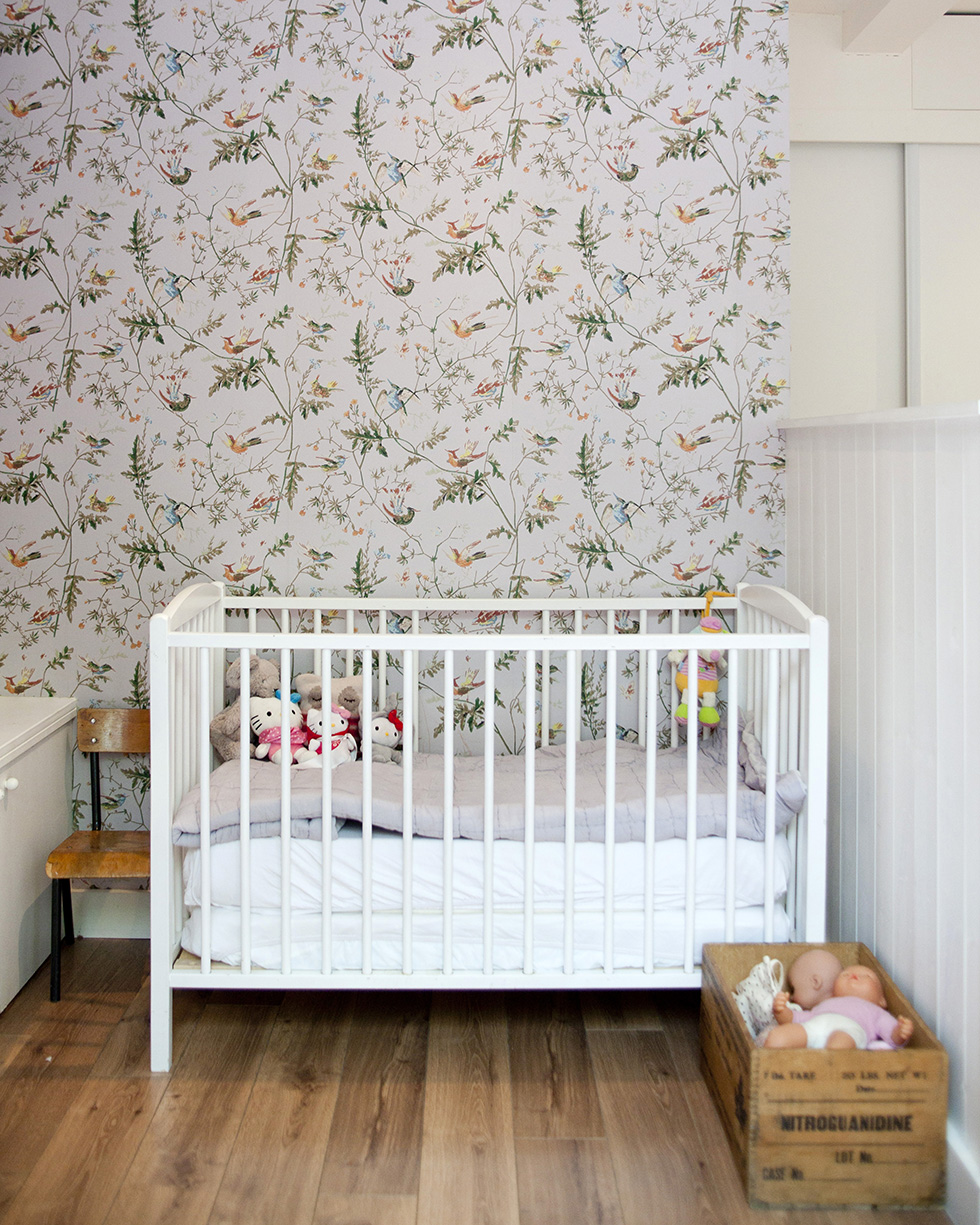 Cole-Son-Humming-Birds-as-used-in-the-Bonpoint-stores-wallpaper-wp4405875