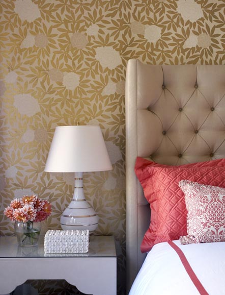 Coral-and-beige-bedroom-with-tufted-headboard-wallpaper-wp4602928