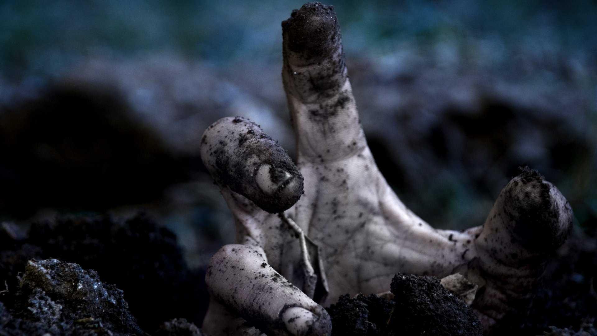 Creepy-HandPicked-Horror-Smashing-Magazine-wallpaper-wp3404267