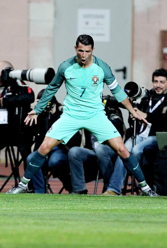 Cristiano-Ronaldo-wallpaper-wp5404288