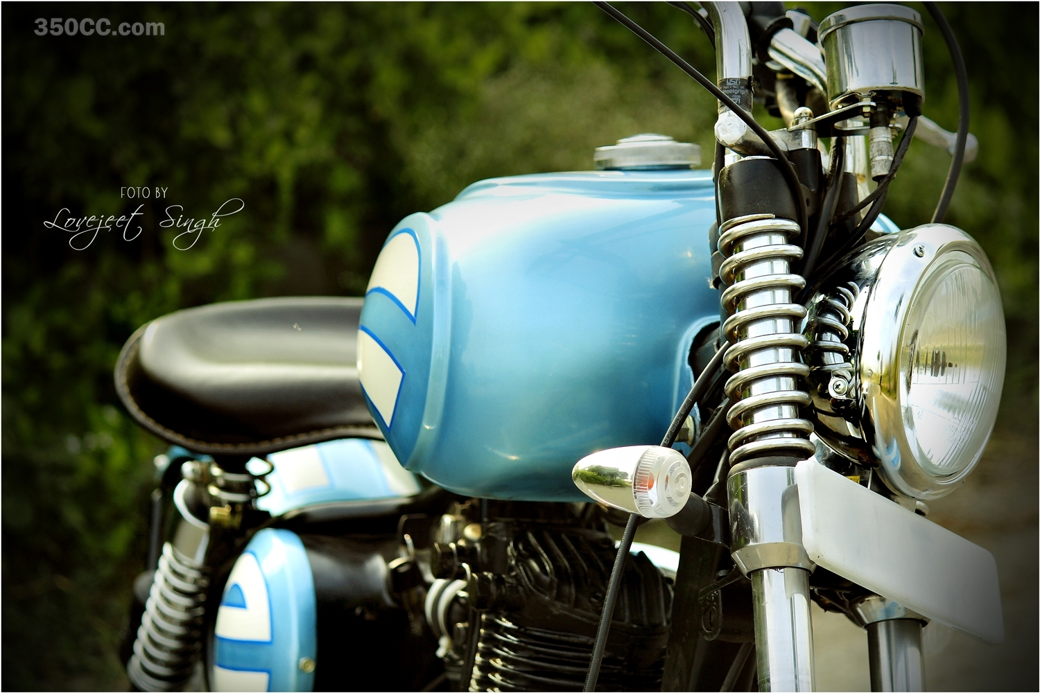 Cult-Classic-Motorcycle-the-first-built-CC-com-wallpaper-wp4805606
