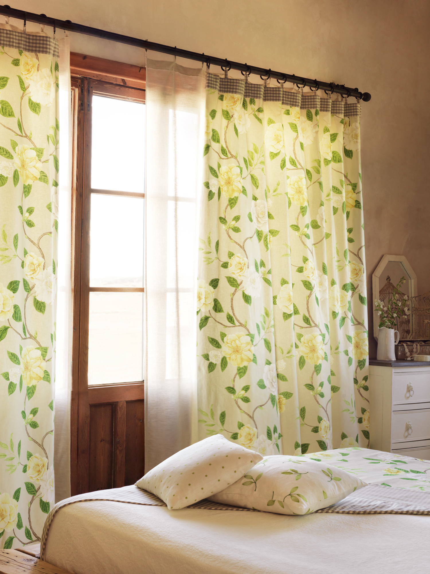 Curtains-Christabel-wallpaper-wp5006365