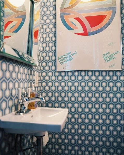 David-Hicks-s-Hexagon-wallpaper-wp58043