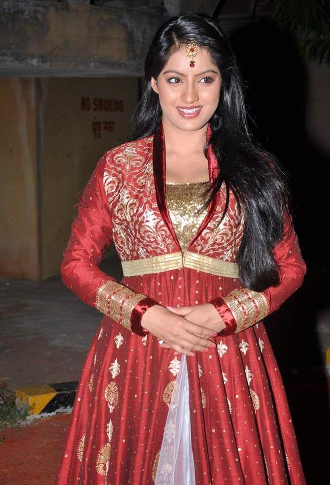 Deepika-Singh-at-ITA-Awards-Bollywood-Fashion-wallpaper-wp5205704