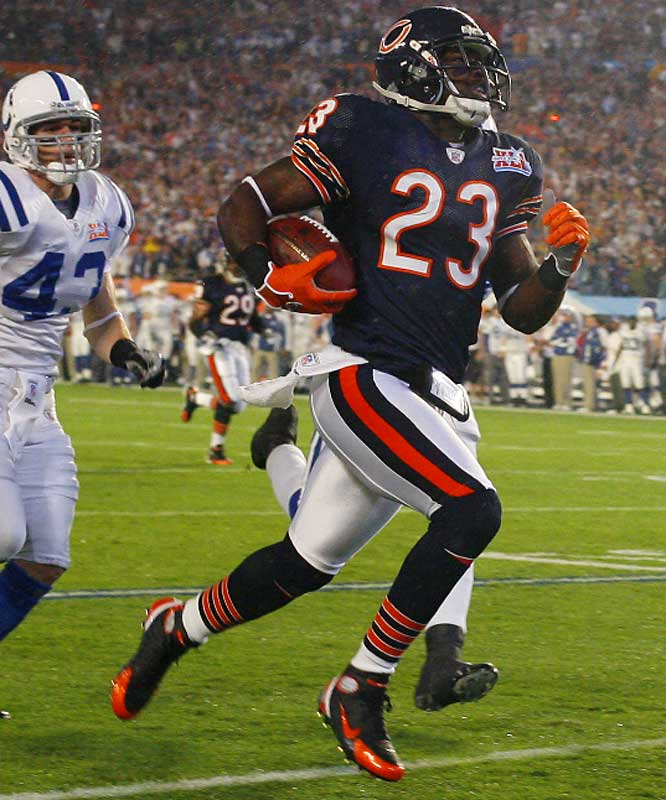 Devin-Hester-Finally-a-team-that-allowed-Devin-to-do-what-he-was-bred-to-do-RUNNNNNNN-wallpaper-wp424944-1