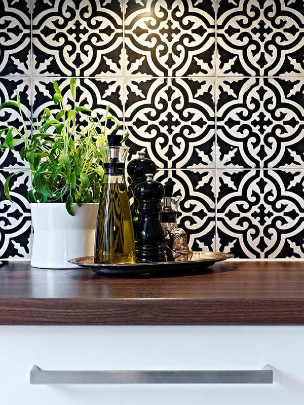 Divine-Renovations-Moroccan-Tiles-Black-White-Pattern-wallpaper-wp5006818